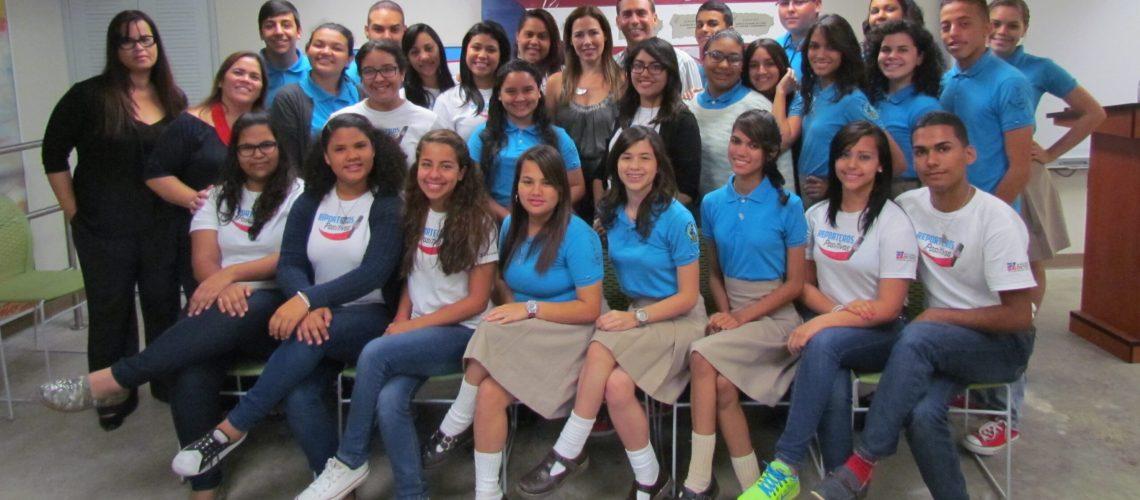 Estudiantes con Jorge Castro y Alfonsina Molinari